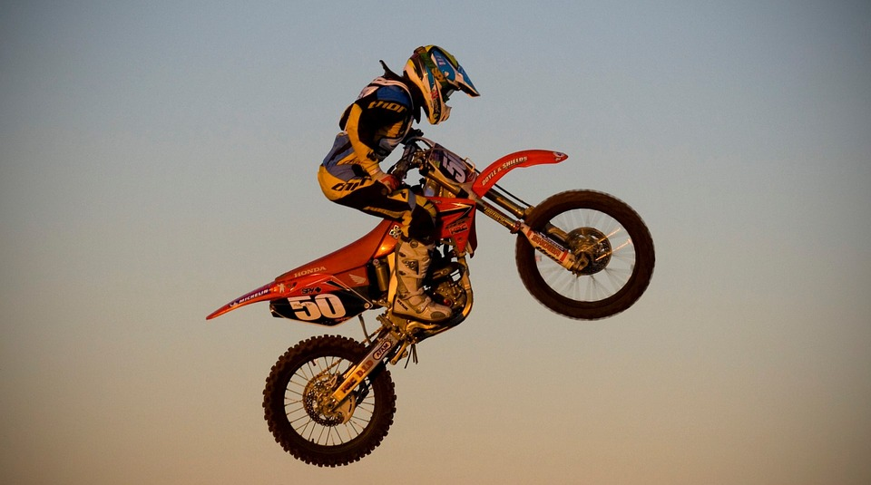 バイク ジャンプ